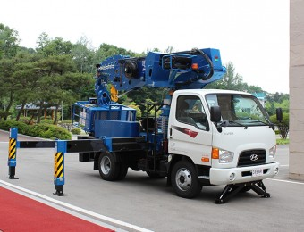 Автовышка 36 метров на базе Hyundai HD78