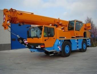 Автокран 40 тонн  liebherr
