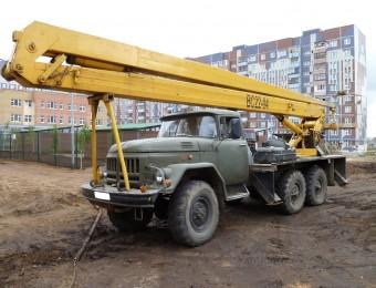 Автовышка вездеход на базе ЗИЛ 131 22 метра